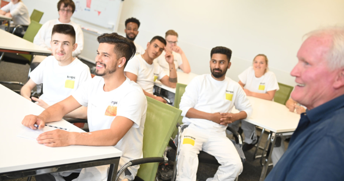 Schulungs- und Ausbildungszentrum Technik zur Wissensvermittlung temps
