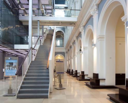 Startseite Leistungen Spezialgebiete Treppenaufgang Platow