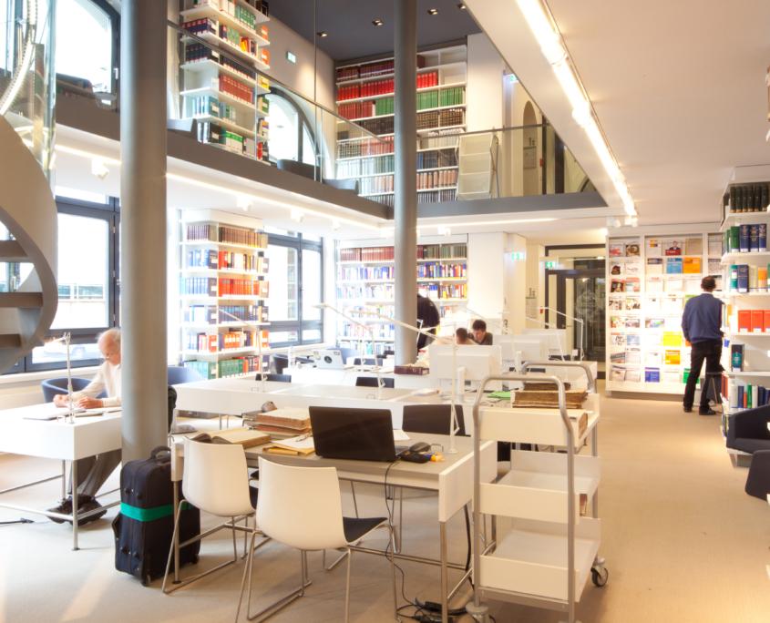 Handelskammer Commerzbibliothek Leseraum temps