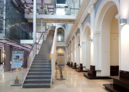 Handelskammer Commerzbibliothek Treppenaufgang temps